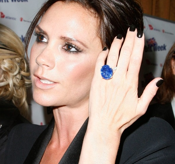 which victoria beckham ring are you in the loupe. Black Bedroom Furniture Sets. Home Design Ideas
