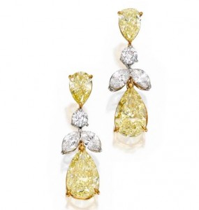 sothebys-important-jewels-lot-324-18k-gold-fancy-colored-diamond-earrings