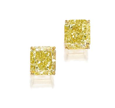 Pair of Yellow Diamond Ear Studs in 18K Gold