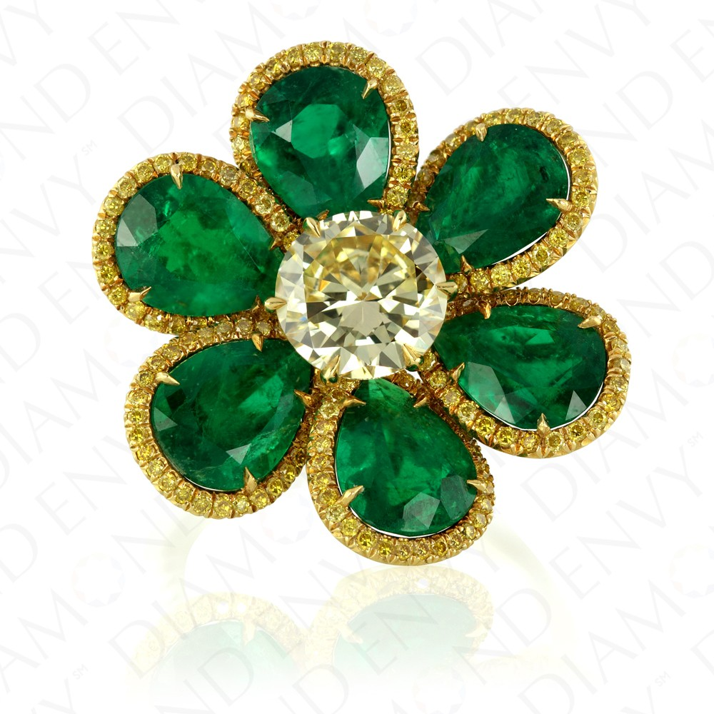 7.75 Carat Yellow Diamond and Natural Emerald Ring in 18K Yellow Gold and Platinum
